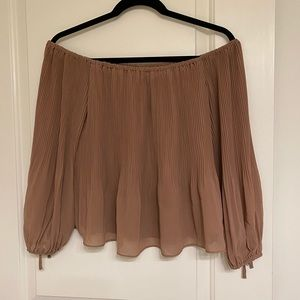 Dynamite Off the Shoulder Blouse in Dusty Rose